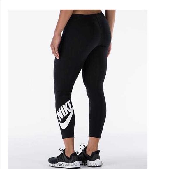 wholesale dealer 464fd 43628 Nike Leg-A-See ankle length high waist leggings